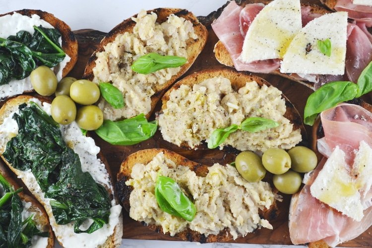 Crostini Three Ways Recipe - Three delicious and super easy crostini ideas that are perfect for parties, you will love it!