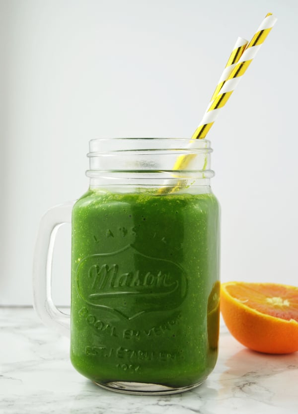 orange ginger green smoothie www.insidetherustickitchen.com