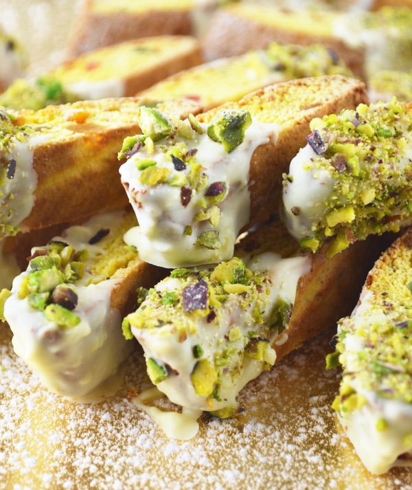 These festive White Chocolate and Pistachio Cantucci Biscuits are incredibly easy and make a perfect foodie gift for your loved ones this Christmas!