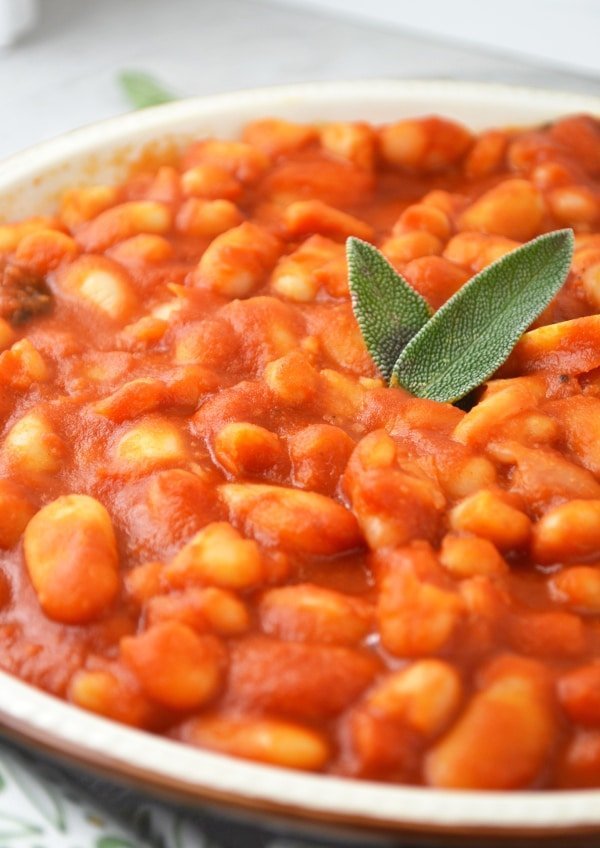 fagioli all'uccelletto beans in tomato sauce www.insidetherustickitchen.com