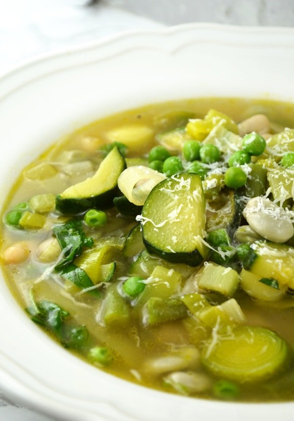 minestrone primavera www.insidetherustickitchen.com