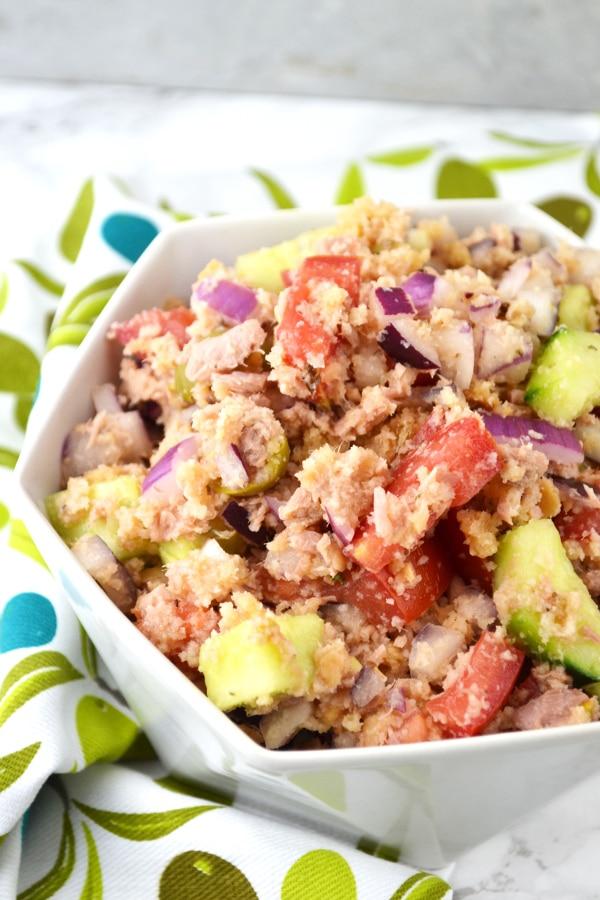 Tuna Panzanella - Italian Bread Salad www.insidetherustickitchen.com