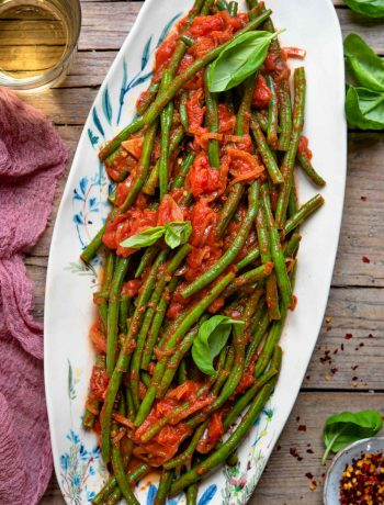 Italian green beans on a oval plate