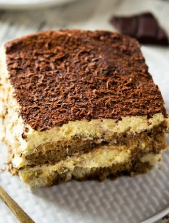 A close up of an easy Tiramisu on a plate