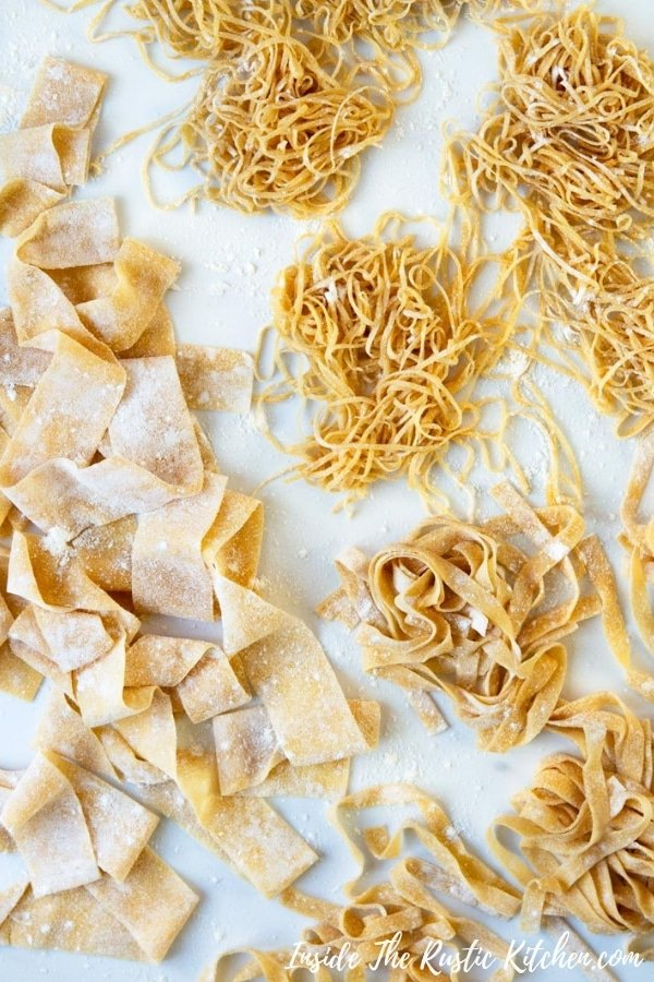 Homemade Pasta Dough. How to make easy homemade pasta dough from scratch. Make lasagne sheets, tagliatelle, pappardelle and so much more. Serve with your favourite pasta sauce for the ultimate comfort food meal. | Italian Pasta Recipes | Authentic Italian Pasta Recipes | #Insidetherustickitchen #pasta #Italian #Italianrecipes